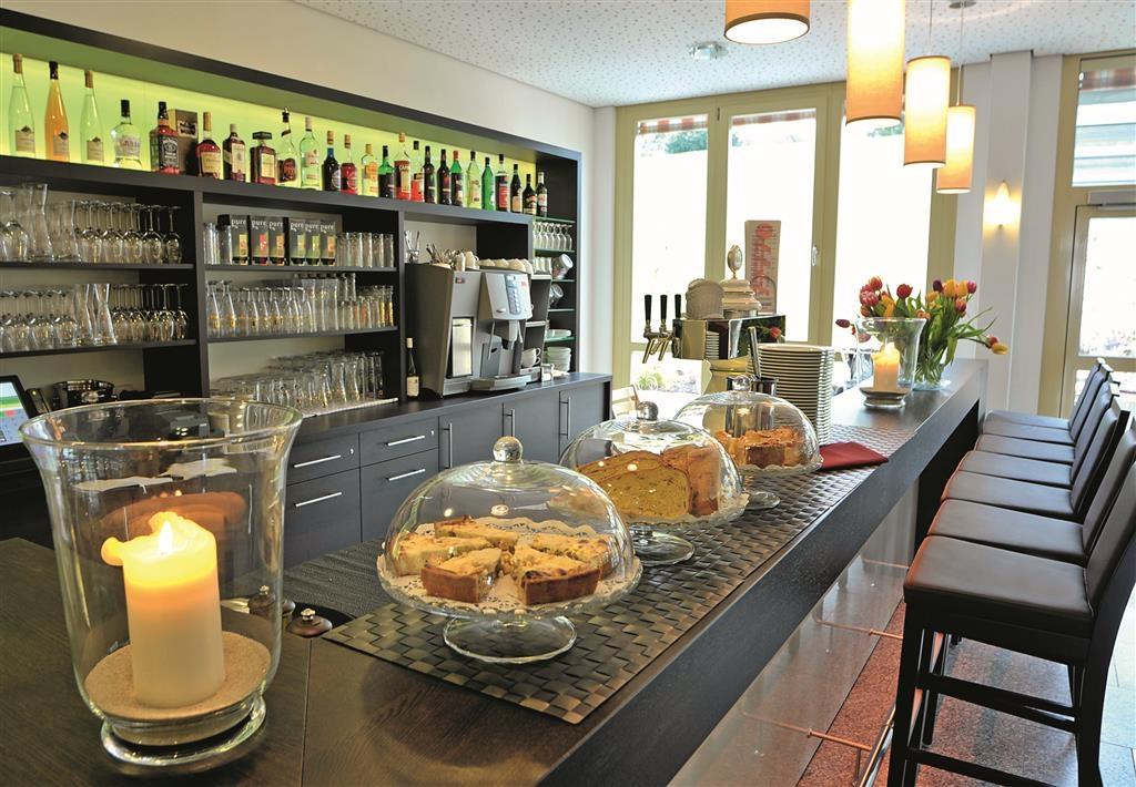 Best Western Plus Hotel Vier Jahreszeiten - Bar y salón