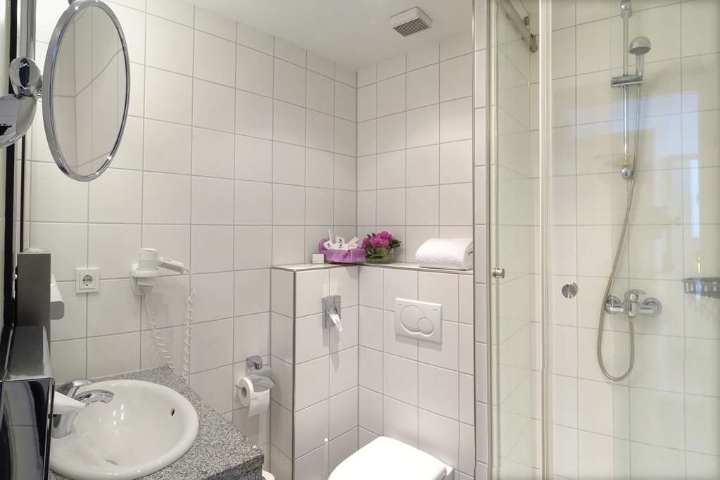 Best Western Hotel Heidehof - guest room bath