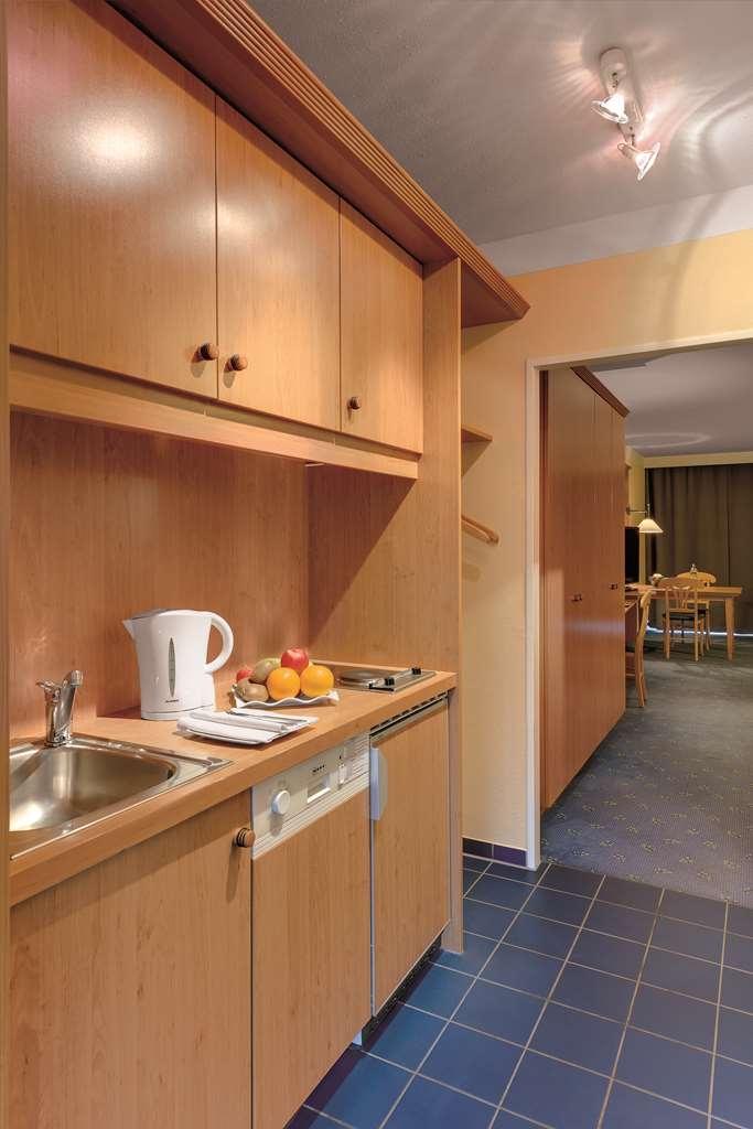 Best Western Aparthotel Birnbachhoehe - guest room