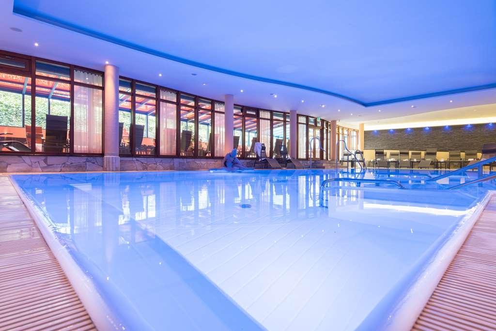 Best Western Plus Kurhotel an der Obermaintherme - Vista de la piscina