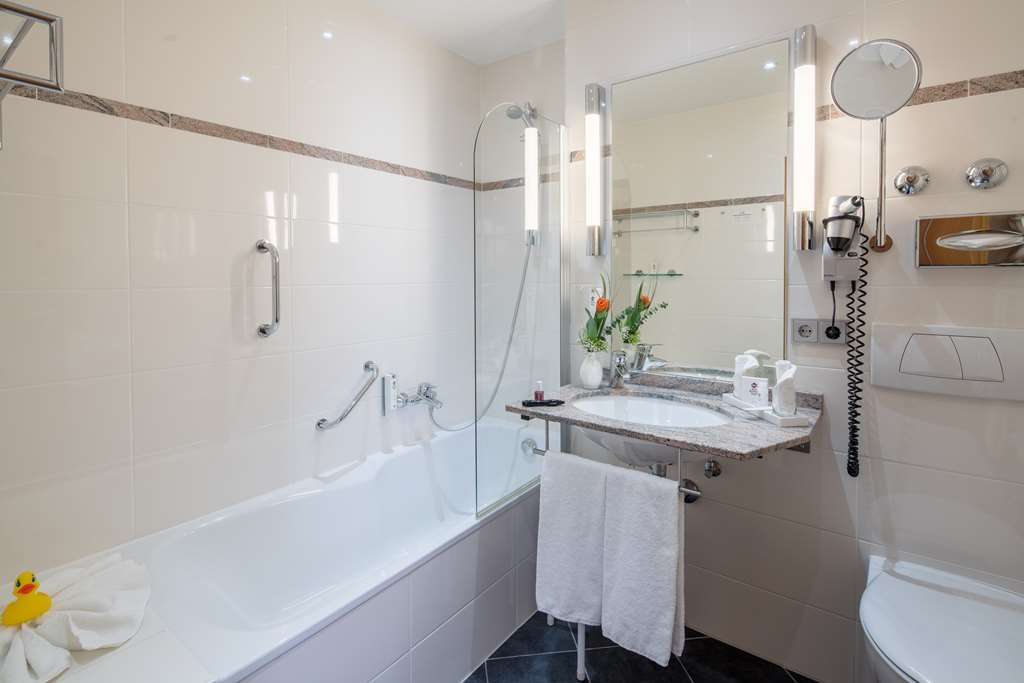 Best Western Plus Kurhotel an der Obermaintherme - guest room bath