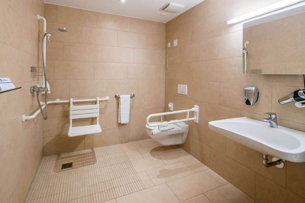 Best Western Hotel Bad Rappenau - Guest room bath