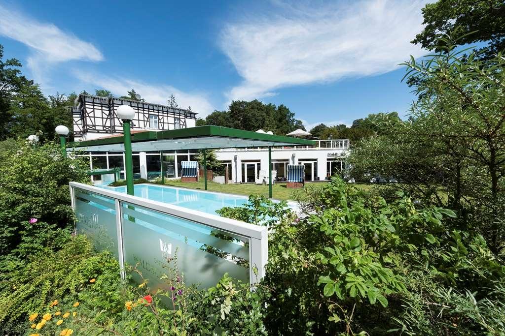 Best Western Plus Ostseehotel Waldschloesschen - Pool view