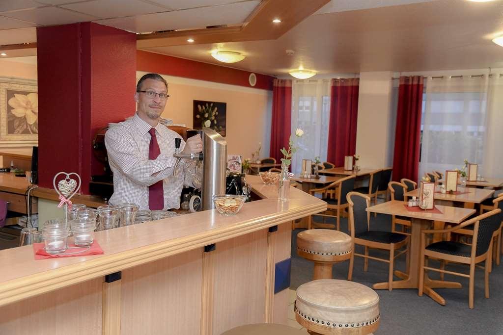 Best Western Comfort Business Hotel - Bar / Lounge