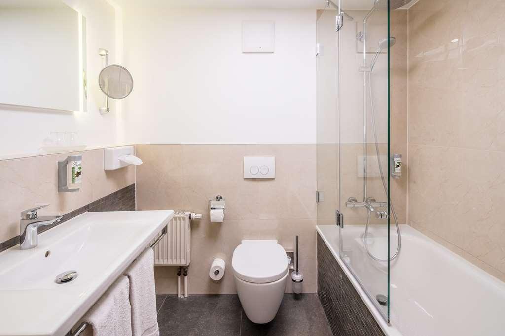 Best Western Hotel Erfurt-Apfelstaedt - Guest room bath
