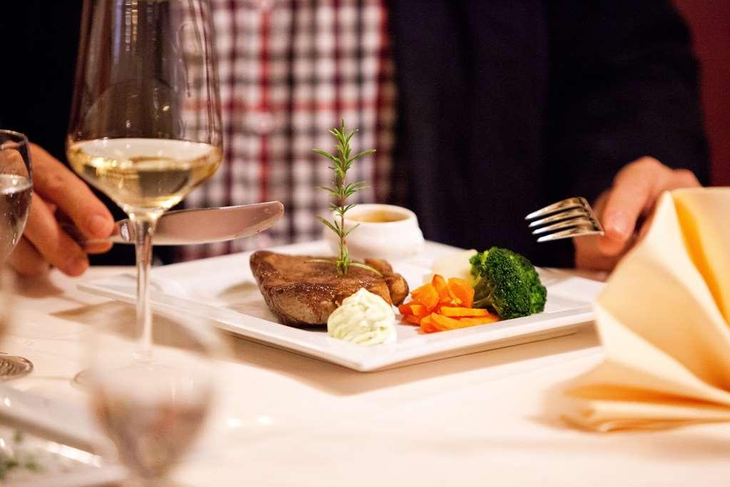 Best Western Hotel St. Michael - Restaurant Cuisine