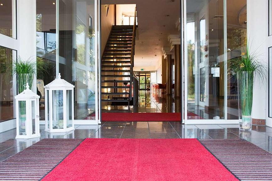 Best Western Amedia Frankfurt Ruesselsheim - Vista del vestíbulo