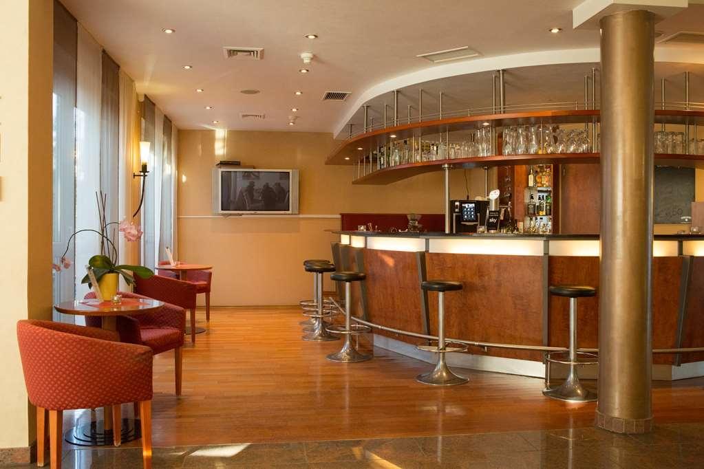 Best Western Amedia Frankfurt Ruesselsheim - Bar/Salón