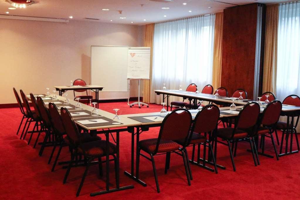 Best Western Amedia Frankfurt Ruesselsheim - Salle de réunion