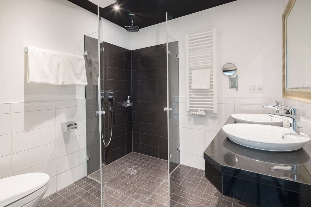 Best Western Hotel Wuerzburg Sued - guest room bath
