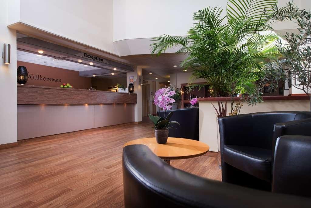 Best Western Hotel Peine-Salzgitter - Vista del vestíbulo