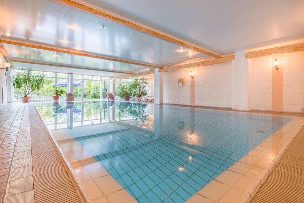 Best Western Hotel Rhoen Garden - Vue de la piscine