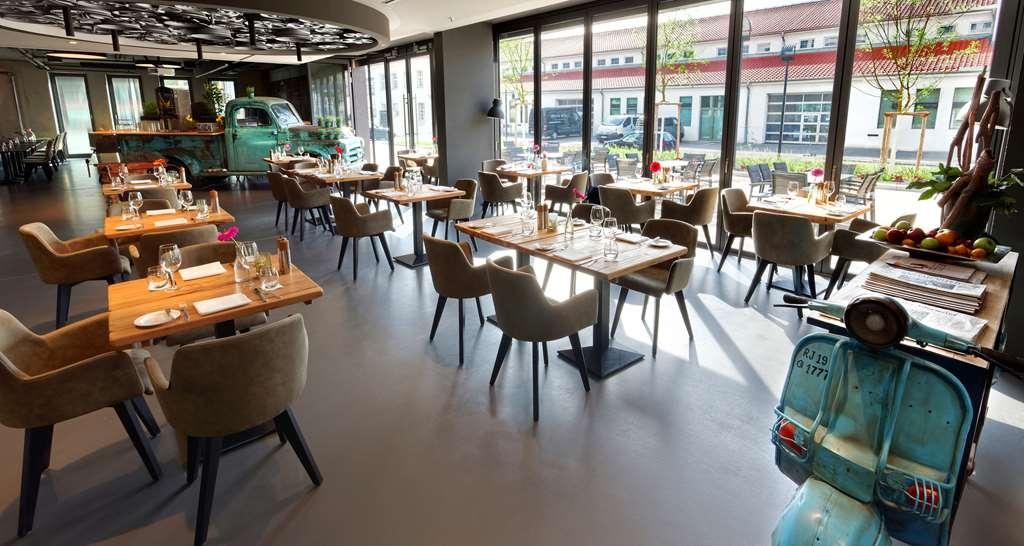 V8 Hotel Motorworld Region Stuttgart, BW Premier Collection - Ristorante / Strutture gastronomiche