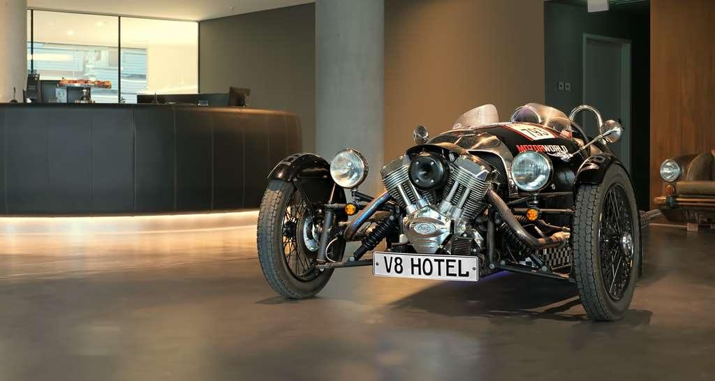 V8 Hotel Motorworld Region Stuttgart, BW Premier Collection - Lobbyansicht