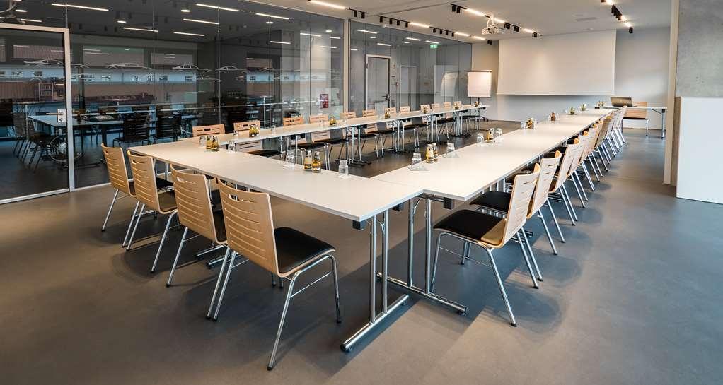 V8 Hotel Motorworld Region Stuttgart, BW Premier Collection - Meeting room