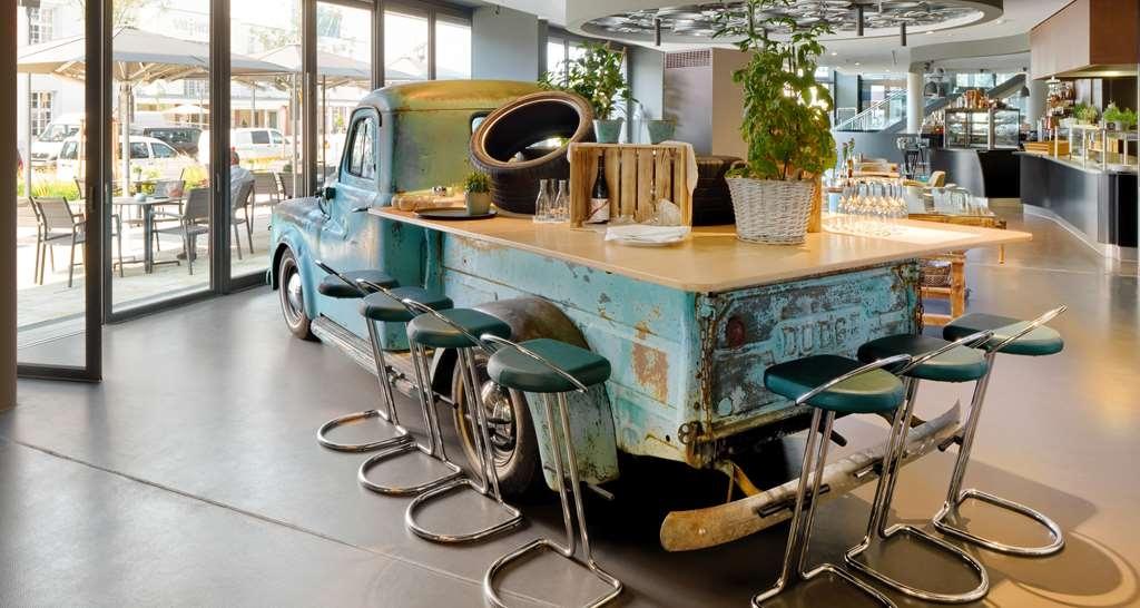 V8 Hotel Motorworld Region Stuttgart, BW Premier Collection - Restaurant / Gastronomie