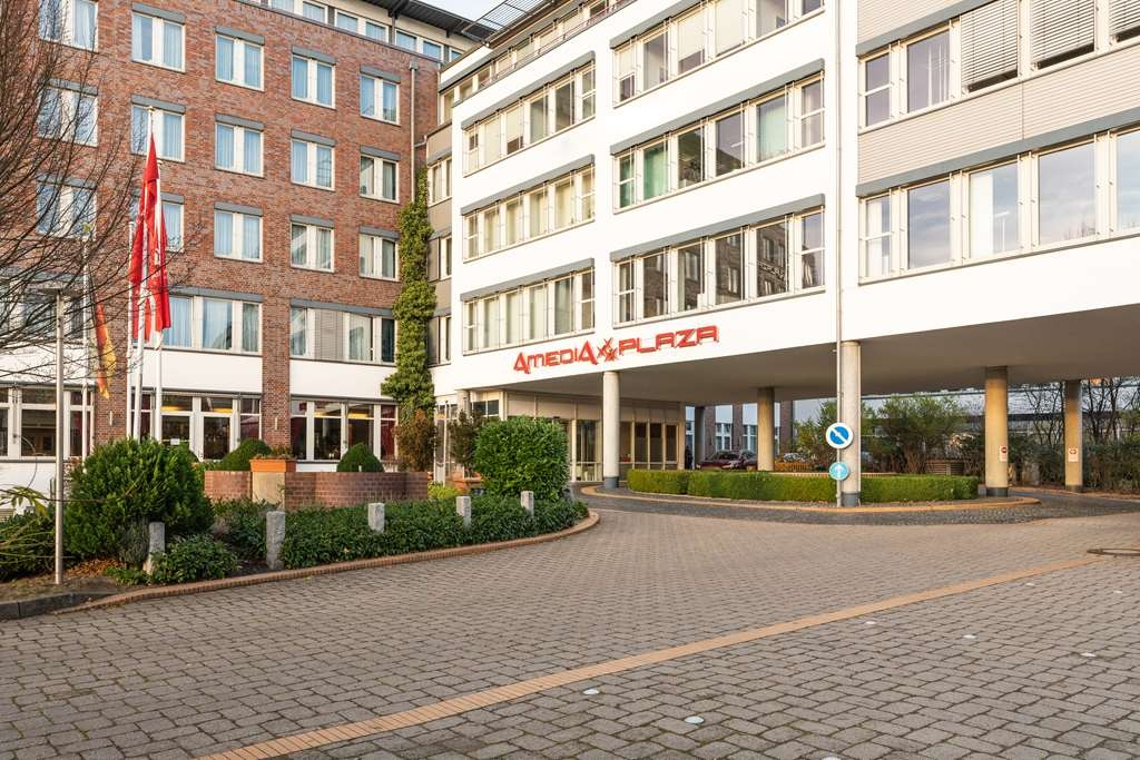 Amedia PLAZA Schwerin, Sure Hotel Collection by Best Western - Façade