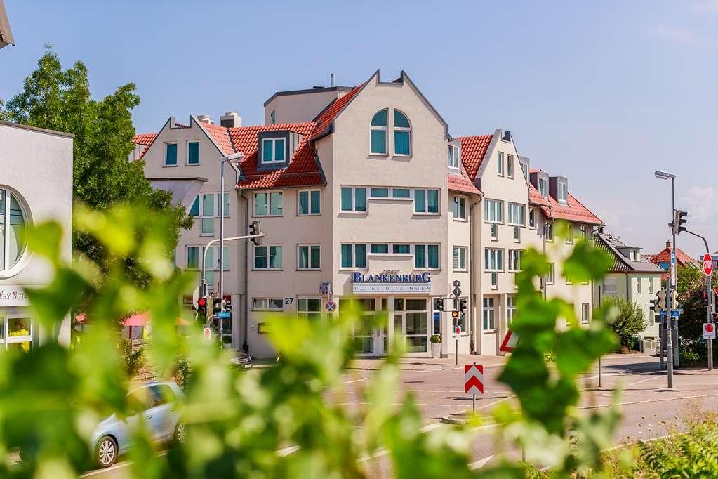 PLAZA Hotel Blankenburg Ditzingen, Sure Hotel Collection - Facciata dell'albergo