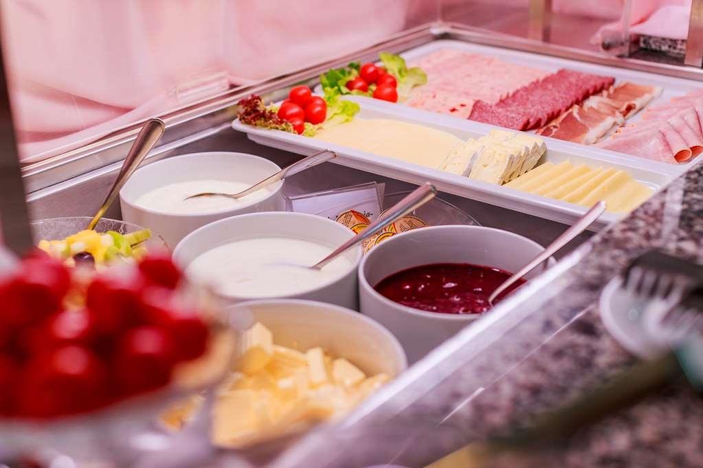PLAZA Hotel Blankenburg Ditzingen, Sure Hotel Collection - Breakfast Buffet