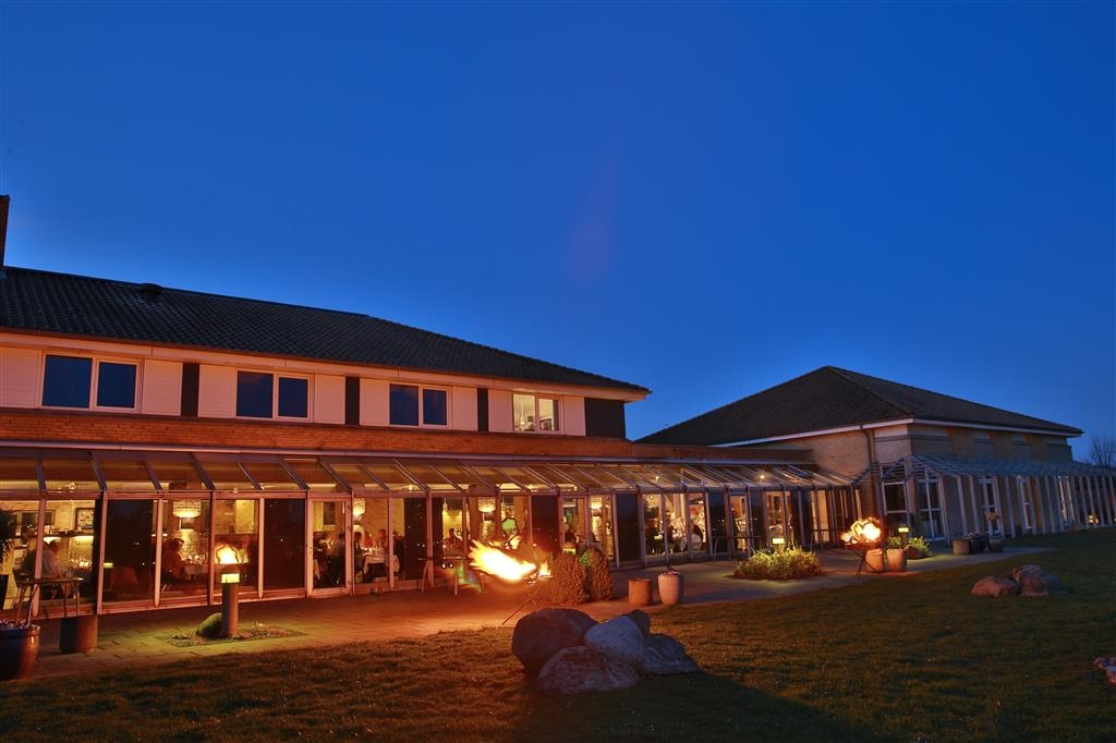 Best Western Plus Hotel Fredericia - Terrace at Night