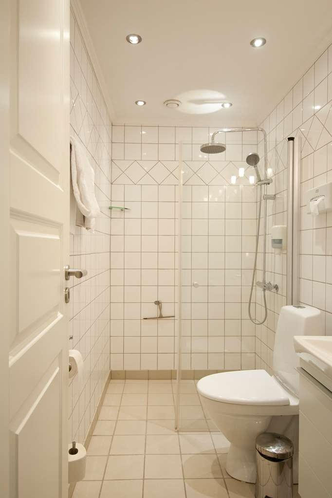 Best Western Golf Hotel Viborg - Double Room Guest Bathroom