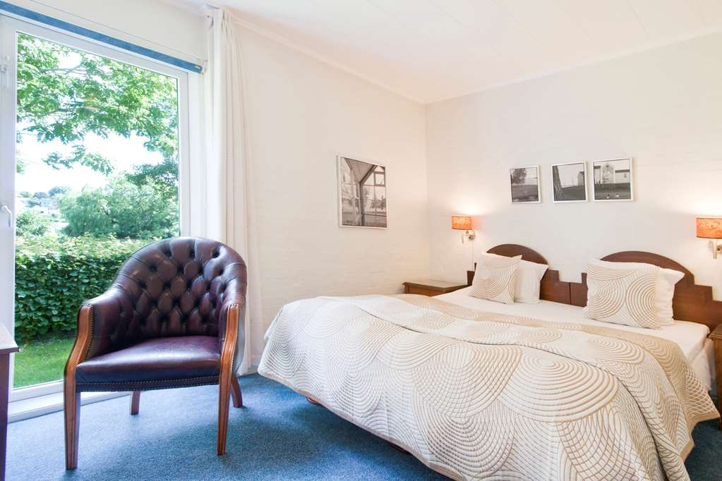 Best Western Golf Hotel Viborg - Double Bed Guest Room Lakeview