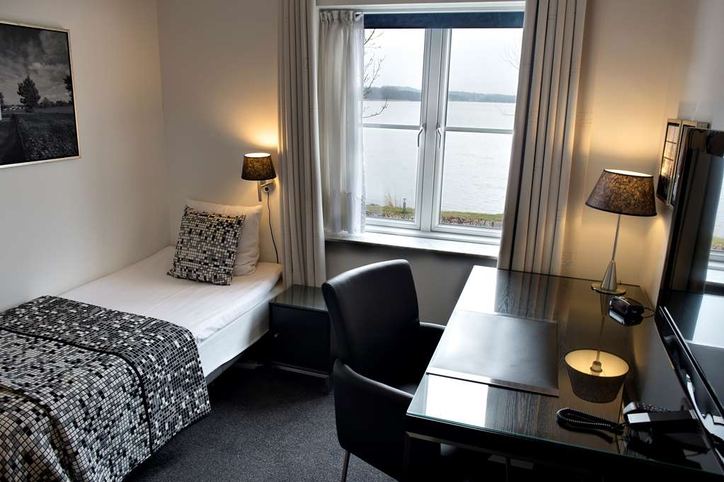 Best Western Golf Hotel Viborg - Single Room with Lake View