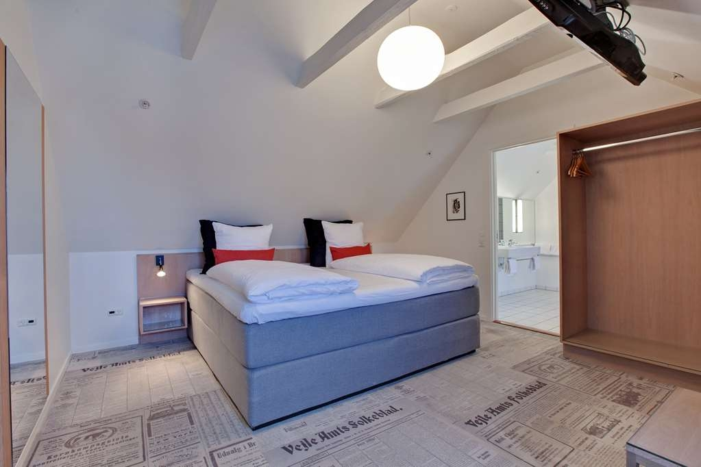 Best Western Torvehallerne - Suite bedroom of approx 75 m2 with adjacent bathroom and separate lounge