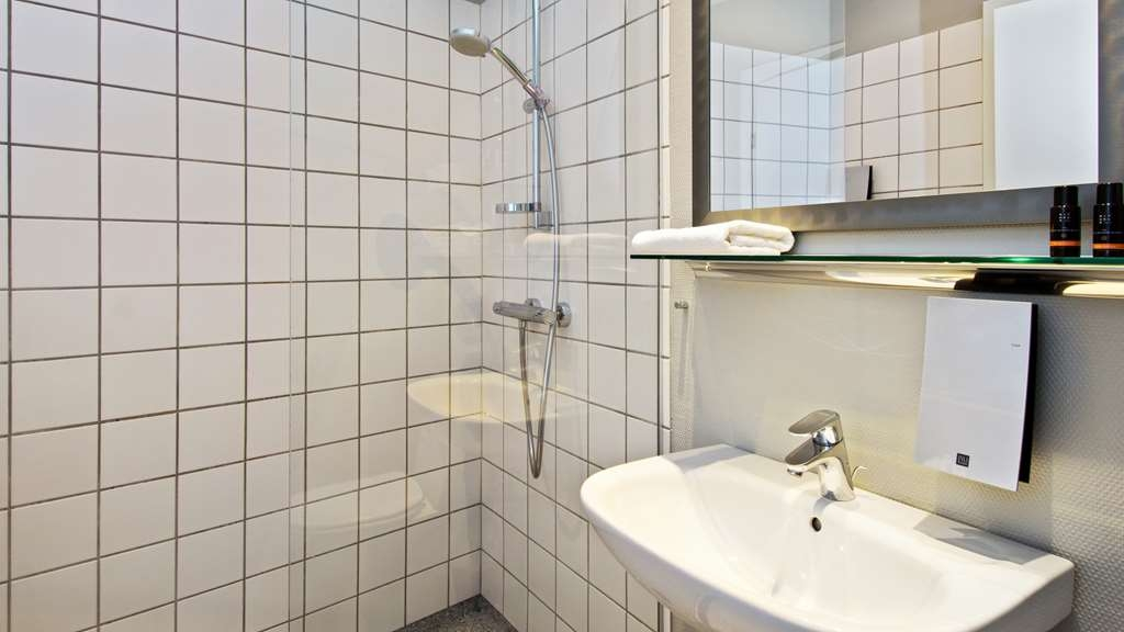 Best Western Plus Hotel Kronjylland - Executive - Bathroom