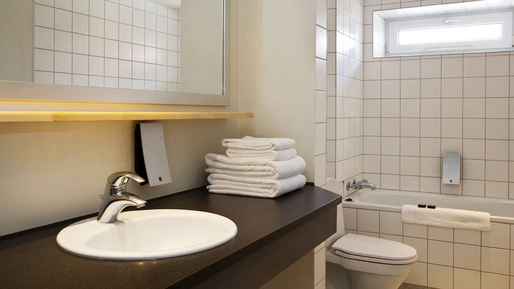 Best Western Plus Hotel Kronjylland - Bathroom - King suite