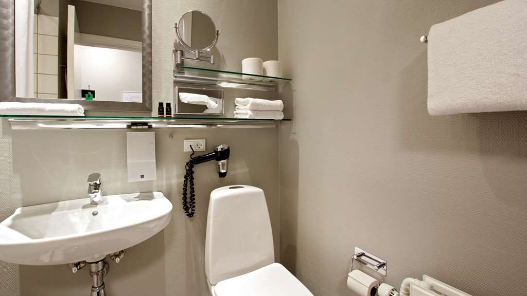 Best Western Plus Hotel Kronjylland - Bathroom - Executive Plus room