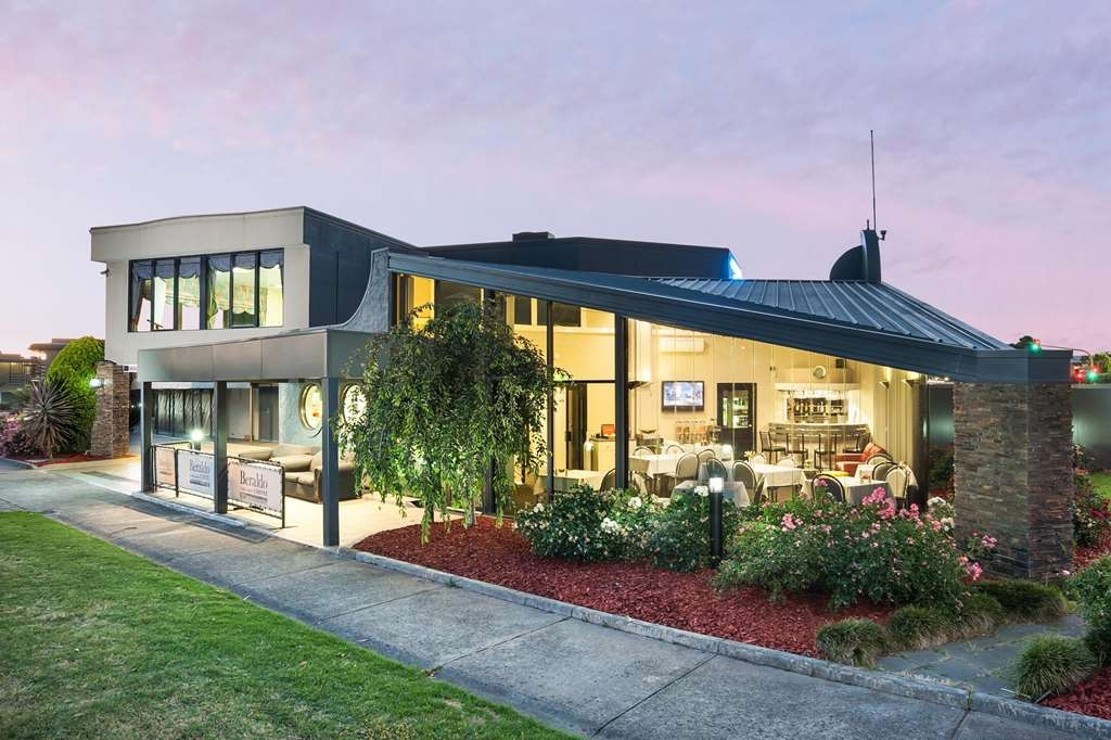 Best Western Mahoneys Motor Inn - At the Best Western® Mahoneys Motor Inn a warm welcome awaits.