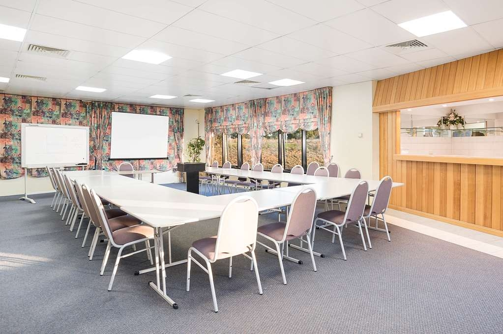 Best Western Mahoneys Motor Inn - With two rooms to choose from we can cater for up to 50 delegates.