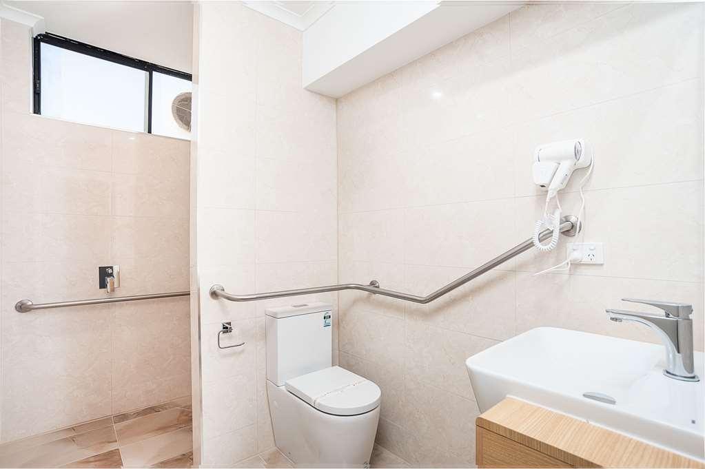 Best Western Mahoneys Motor Inn - Accessible Bathroom with grab rails and raised toilet.
