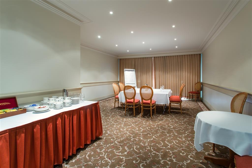 Best Western Plus The Carrington - Sala de reuniones