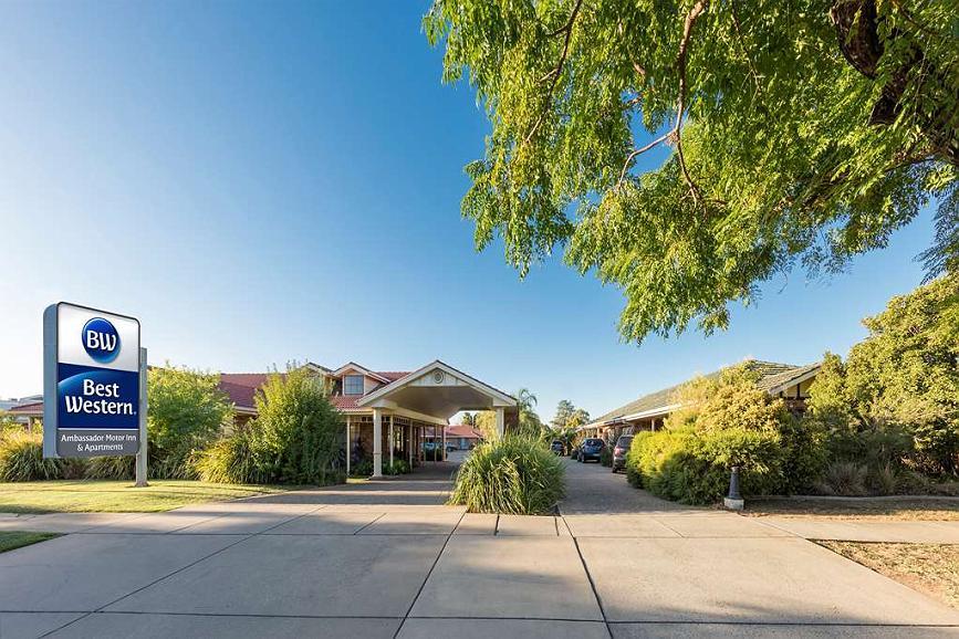 Best Western Ambassador Motor Inn & Apartments - Vista exterior