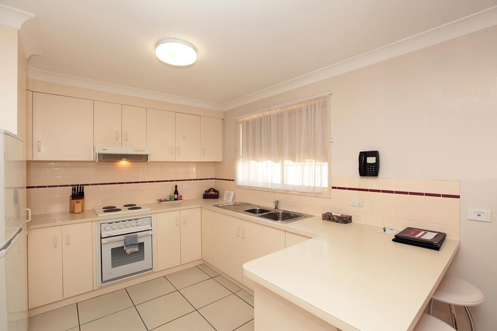 Best Western Ambassador Inn - Cucina appartamento