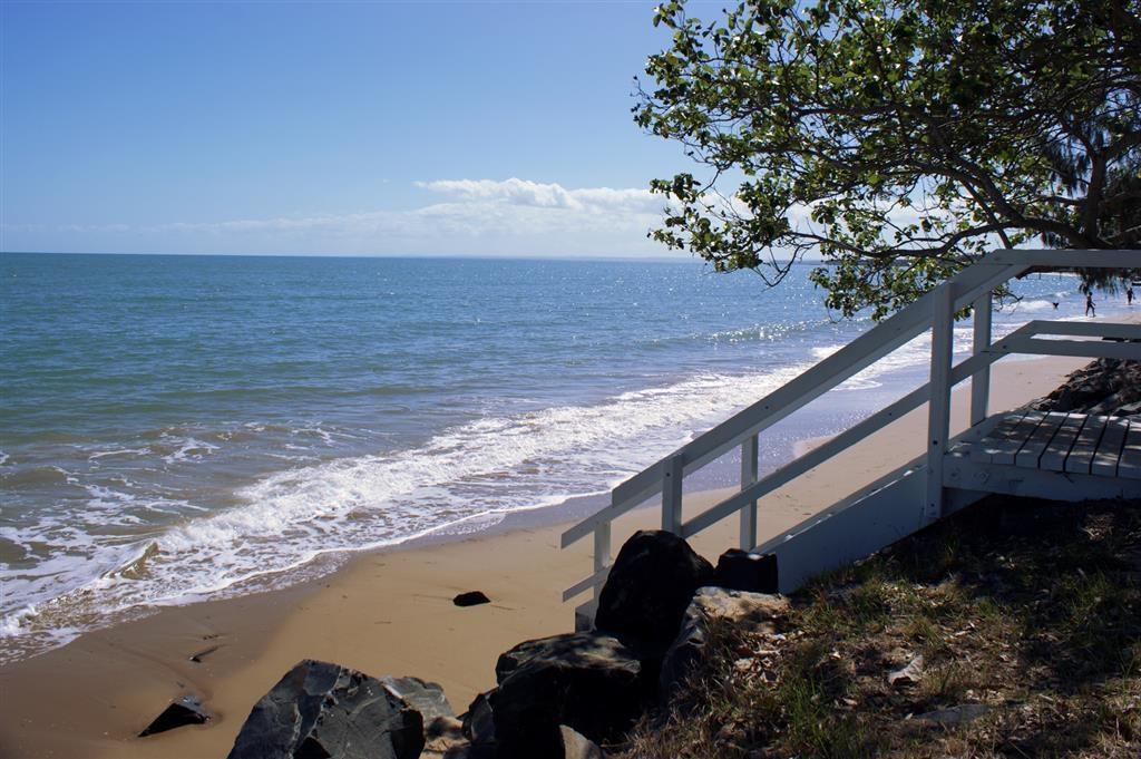 Best Western Ambassador Motor Lodge - Beach