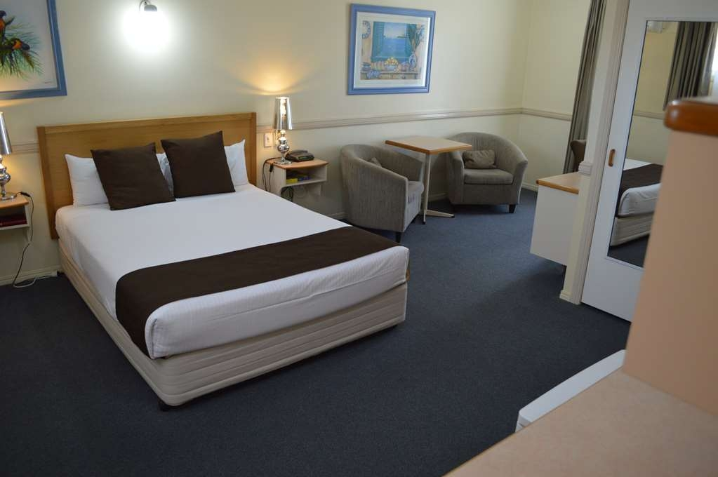 Best Western Ambassador Motor Lodge - Guest Room