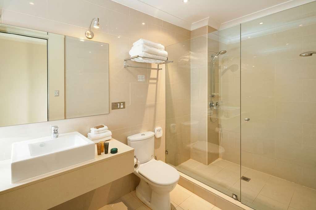 Best Western Plus Hotel Stellar - 2 Bedroom Apartment - Main Bathroom