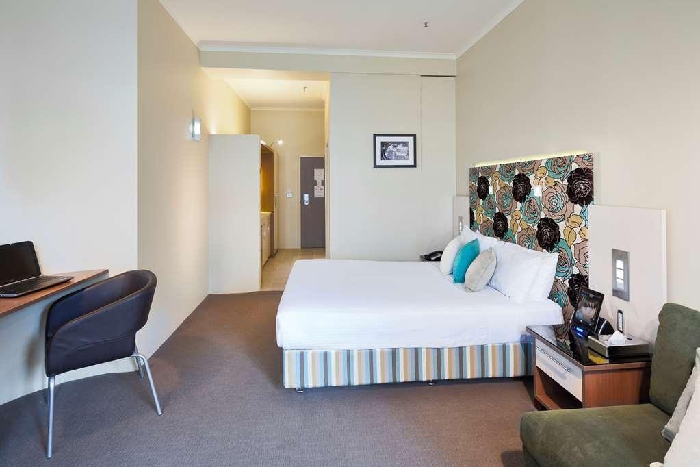 Best Western Plus Hotel Stellar - Queen & Sofa Studio
