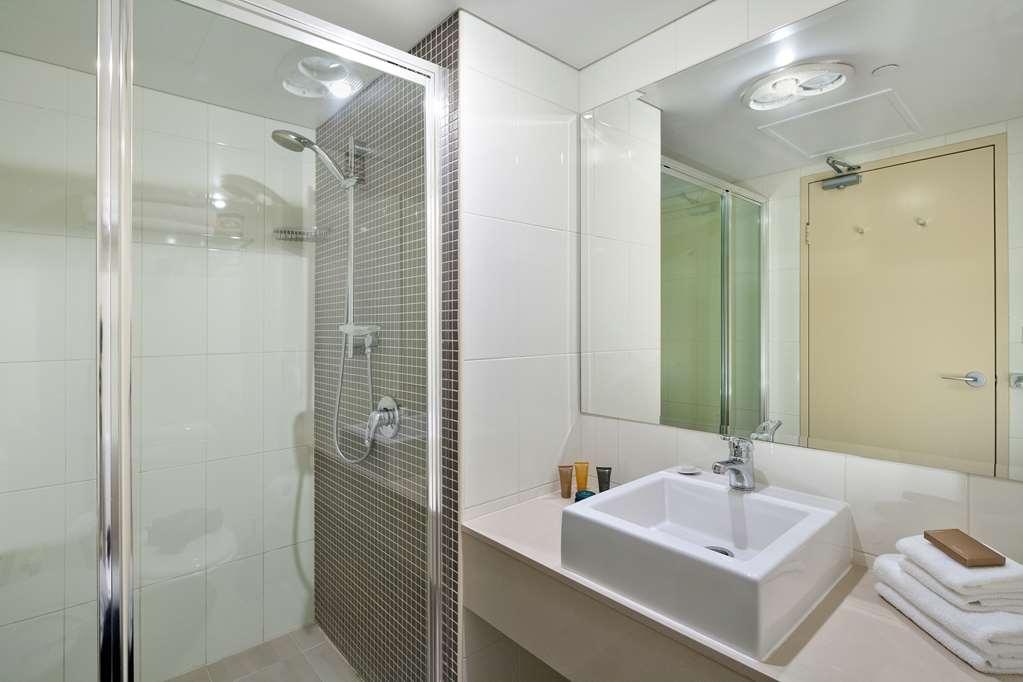 Best Western Plus Hotel Stellar - Wentworth King Studio - Bathroom