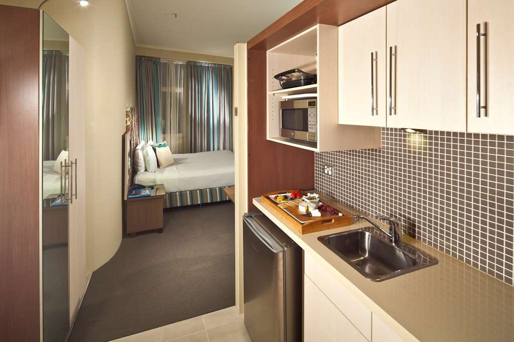 Best Western Plus Hotel Stellar - Hyde Park King Studio - Kitchenette