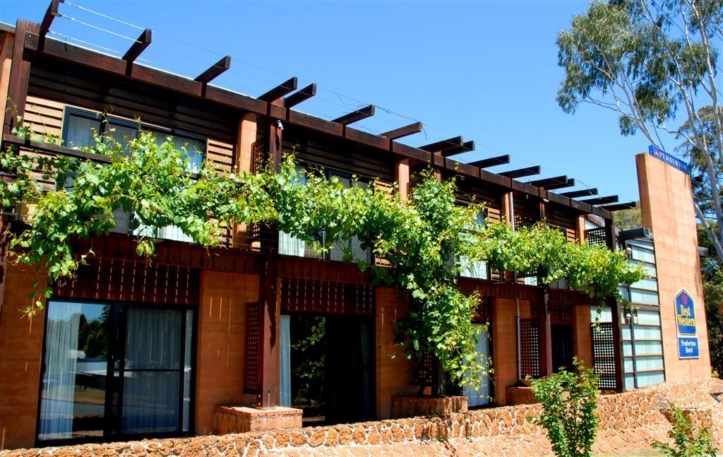 Best Western Pemberton Hotel - Hotel South Side Exterior