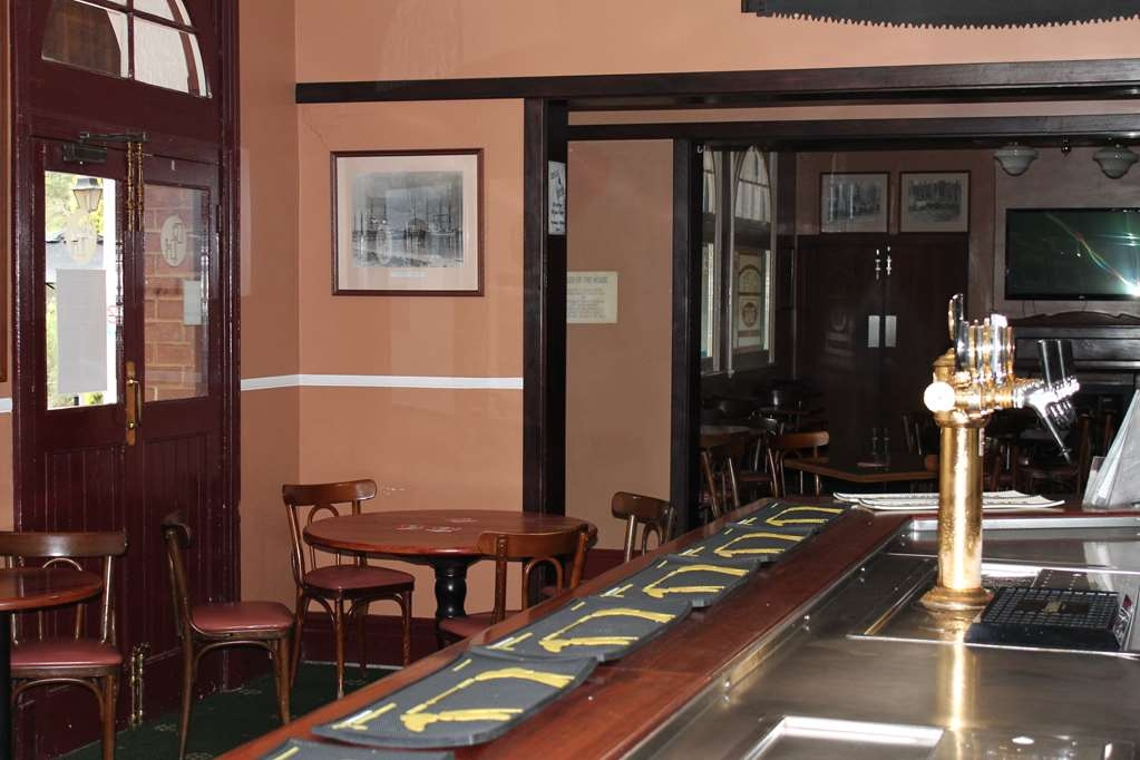 Best Western Pemberton Hotel - Bar/Salón
