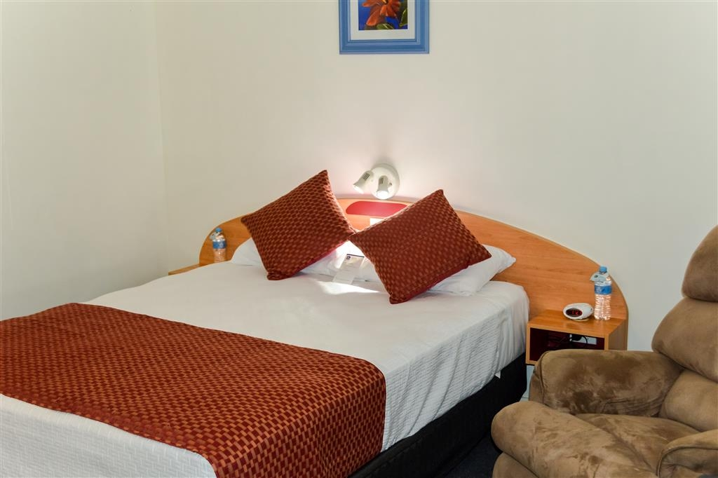 Best Western Boulevard Lodge - Camera con letto queen size