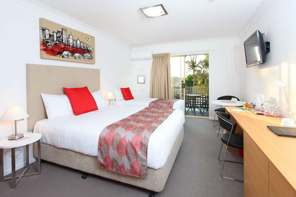 Best Western Gregory Terrace Brisbane - Guests staying in Deluxe Rooms enjoy free high speed wifi, undercover parking & elevator access.