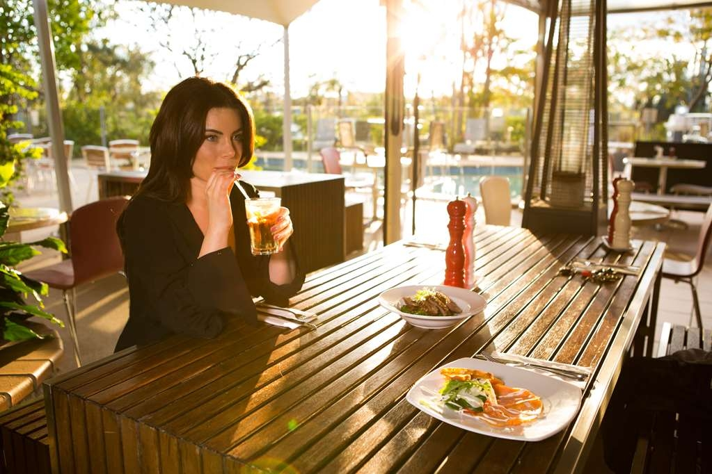 Best Western Gregory Terrace Brisbane - Enjoy breakfast, lunch or dinner at the GT's Cafe