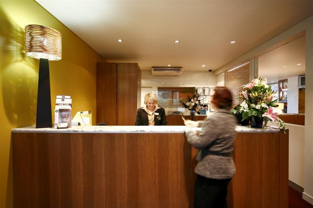 Best Western Plus The Tudor-Box Hill - Reception