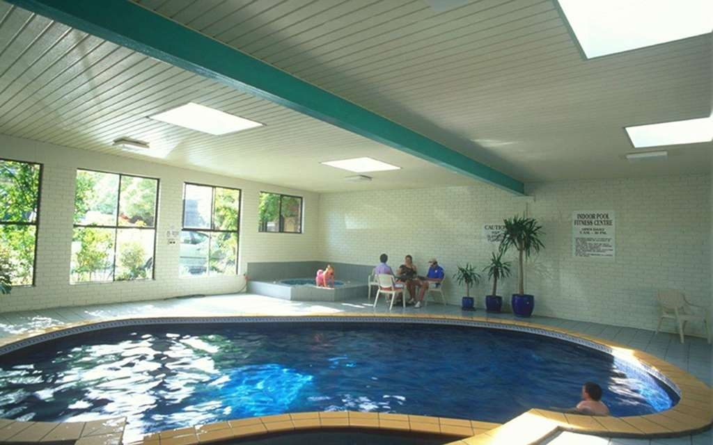 Best Western Plus The Tudor-Box Hill - Piscina
